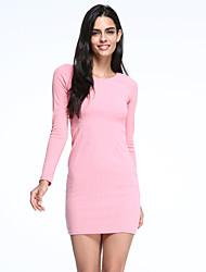 fino em torno do pescoço de manga comprida mini vestido das mulheres