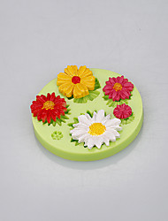 Beautiful daisy shape silicone flower cake molds with food-grade silicone material