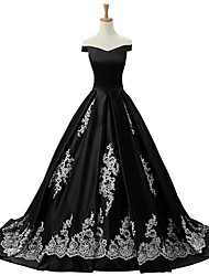 Formal Evening Dress Ball Gown Off-the-shoulder Sweep / Brush Train Lace / Satin with Appliques / Lace