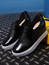 Damen-Loafers & Slip-Ons-Lässig-Leder-Keilabsatz-Komfort-Schwarz / Weiß