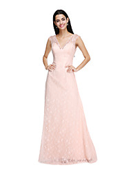 2017 Lanting Bride® Floor-length Lace Elegant Bridesmaid Dress - Sheath / Column V-neck with Buttons