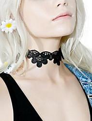 Women Fashion Personality Black White Lace Short Necklace Hollow Flower Pattern Lace Choker Gift 1pc