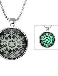 Fashion Luminous Christmas Gift Luminous Snowflake Pendant Necklace