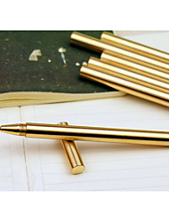 laiton stylo à la main