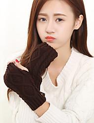 malhas comprimento de pulso das mulheres metade do dedo bonito / partido / inverno ocasional preto / branco / luvas marrom / cinza