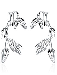 Recommend Wholesale Vintage Silver Plated Cute Leaf Shape Earrings Charming Jewelry for Women Party Wedding