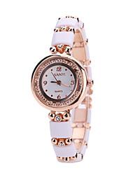 Женские Модные часы Наручные часы Кварцевый сплав Группа Люкс Белый