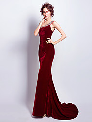 Formal Evening Dress Trumpet / Mermaid One Shoulder Sweep / Brush Train Velvet with Beading