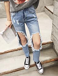 Реальный выстрел женщина лето колено потерять большой дыра джинсы носить тонкие нищенка брюки культивирования диких