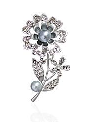 Women's Brooches Rhinestone Imitation PearlBasic Unique Design Rhinestone Natural Friendship Floral Imitation Pearl Fashion Personalized