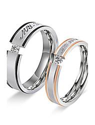 Couple Anneaux Bague de fiançailles Zircon cubique Cercle Acier inoxydable Zircon Forme Ronde Bijoux Pour Mariage Fiançailles Quotidien
