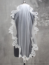 White / Ivory Wedding Veil One-tier Shoulder Veils Fingertip Veils Communion Veils Lace Applique Edge Lace Tulle