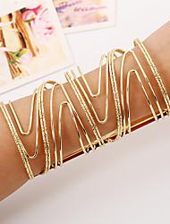 Femme Bracelets Rigides Manchettes Bracelets Mode Style Punk Pierre Alliage de fer Alliage de métal Bijoux PourSoirée Rendez-vous Plein