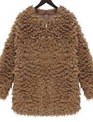 Manteau Femme,Couleur Pleine Soirée Sortie Décontracté / Quotidien simple Hiver Manches longues Col Arrondi Court Fourrure d'agneau
