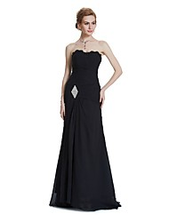 Mermaid / Trumpet Strapless Sweep / Brush Train Chiffon Formal Evening Wedding Party Dress with Appliques Crystal Detailing Draping Side