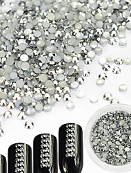 1Bottle 2mm Luxury Silver Glitter Resin Jelly Rhinestone Nail Art DIY Beauty Decoration Shining Rhinestone Charm Jewelry Manicure Accessories