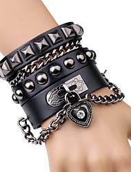 Per uomo Bracciali a catena e maglie Bracciali in pelle Di tendenza Rock Pelle Lega A forma di cuore Bottoni Gioielli Per Palco Serata