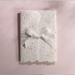 Personalized Folded Wedding Invitations Invitation Cards-50 Piece/Set Modern Style / Floral Style Art Paper Ribbons