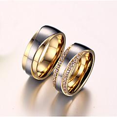 カップルリング キュービックジルコニア 模造ダイヤモンド 幸福 結婚式 ジルコン チタン鋼 ゴールドメッキ 幸福 ゴールデン ジュエリー のために 結婚式 誕生日 婚約 日常 1ペア
