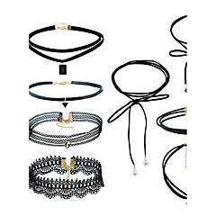 Női Ékszer készlet Nyaklánc medálok fekete Choker Függő Euramerican minimalista stílusú Vegyes anyagok Vegyes anyagGeometric Shape