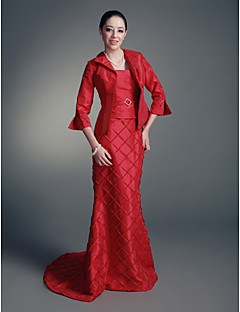 Lanting Trumpet/Mermaid Plus Sizes / Petite Mother of the Bride Dress - Ruby Sweep/Brush Train 3/4 Length Sleeve Taffeta