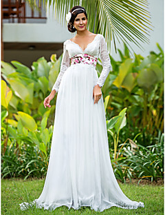 Sheath/Column Plus Sizes Wedding Dress - Ivory Floor-length V-neck Chiffon/Lace