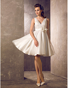 Lanting A-line/Princess Plus Sizes Wedding Dress - Ivory Knee-length V-neck Tulle