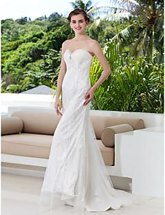 Sheath/Column Plus Sizes Wedding Dress - Ivory Sweep/Brush Train Sweetheart Lace