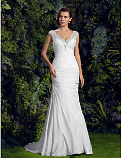 LAN TING BRIDE Trumpet / Mermaid Wedding Dress - Chic & Modern See-Through Court Train V-neck Charmeuse with Appliques Beading Button