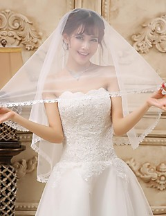 Beautiful One-tier Fingertip Wedding Veils With Lace Applique Edge