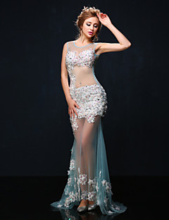 Formal Evening Dress - White Trumpet/Mermaid Jewel Court Train Tulle