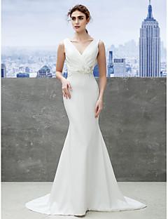 Lanting Bride® 트럼펫 / 머메이드 웨딩 드레스 스윕 / 브러쉬 트레인 V-넥 새틴 와 아플리케