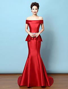 Formeller Abend Kleid - Rot Satin - Meerjungfrau-Linie / Mermaid-Stil - Sweep / Pinsel Zug - Carmen-Ausschnitt