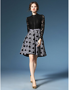 A-line Mother of the Bride Dress Knee-length Long Sleeve Lace / Polyester with Beading / Lace / Pattern / Print