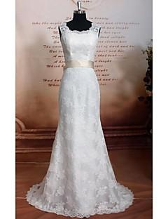 Sheath / Column Wedding Dress Chapel Train Scoop Lace / Satin with Lace