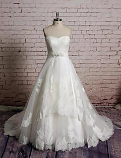 A-라인 웨딩 드레스 채플 트레인 스윗하트 레이스 / 튤 와 아플리케