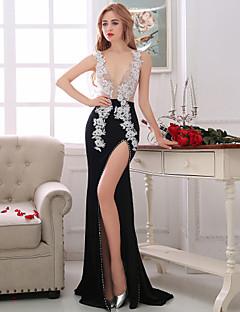 Formeller Abend Kleid Eng anliegend V-Ausschnitt Asymmetrisch Spitze / Taft mit Perlstickerei / Kristall Verzierung / Spitze