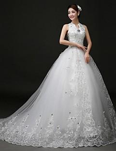 볼 드레스 웨딩 드레스 코트 트레인 홀터 넥 레이스 / 튤 와 아플리케 / 비즈