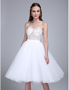 Lanting Bride® Knee-length Tulle Bridesmaid Dress Ball Gown Sweetheart with Appliques / Sequins