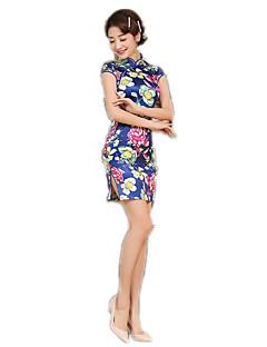Egyrészes/Ruhák Cosplay Lolita ruhák Virágos Rövid ujjú Közepes hossz mert Poliészter