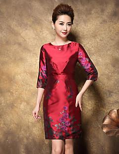 Damen Hülle Kleid-Formal Chinoiserie / Anspruchsvoll Blumen Rundhalsausschnitt Übers Knie ¾-Arm Rot Polyester Frühling Hohe Hüfthöhe