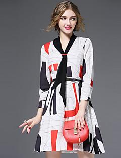 Damen Hülle Kleid-Lässig/Alltäglich Street Schick Druck V-Ausschnitt Übers Knie ¾-Arm Weiß Polyester Herbst Winter Hohe Hüfthöhe