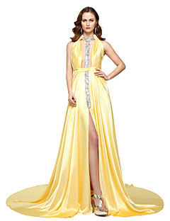 2017 TS Couture® Formal Evening Dress - Furcal Celebrity Style A-line Halter Floor-length Chiffon Satin with Beading Sash / Ribbon Pleats