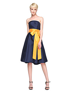 2017 Lanting Bride® Knee-length Satin Stretch Satin Elegant Bridesmaid Dress - A-line Strapless with Sash / Ribbon Bow(s)