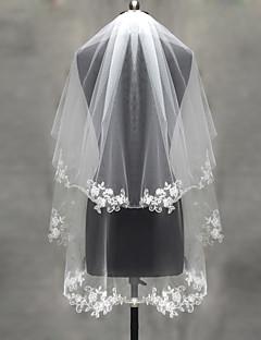 Свадебные вуали Два слоя Короткая фата Фата до локтя Фата до кончиков пальцев Кружевная кромка Отделка жемчугом Тюль