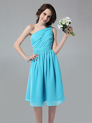 Knee-length Chiffon Bridesmaid Dress A-line One Shoulder Plus Size / Petite with Side Draping / Ruching / Pleats