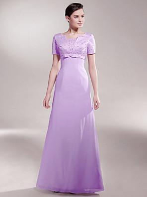Lanting Bride® A-vonalú Molett / Filigrán Örömanya ruha Földig érő Rövidujjú Sifon / Szatén - Gyöngydíszítés / Csokor