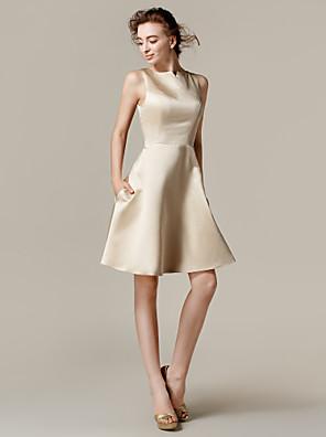 Lanting Bride® Ke kolenům Satén Šaty pro družičky - A-Linie / Princess Bateau Větší velikosti / Malé s Kapsy
