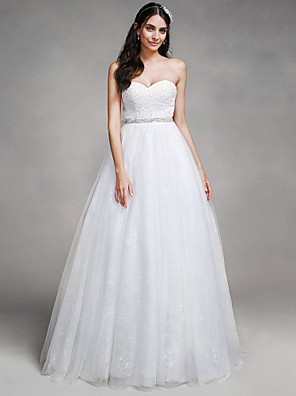 Lanting Bride A-line Wedding Dress Chapel Train Sweetheart Tulle with Beading / Lace