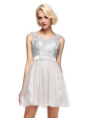 Lanting Bride® Krátký / Mini Krajka / Tyl / Charmeuse Šaty pro družičky - A-Linie Do V s Aplikace